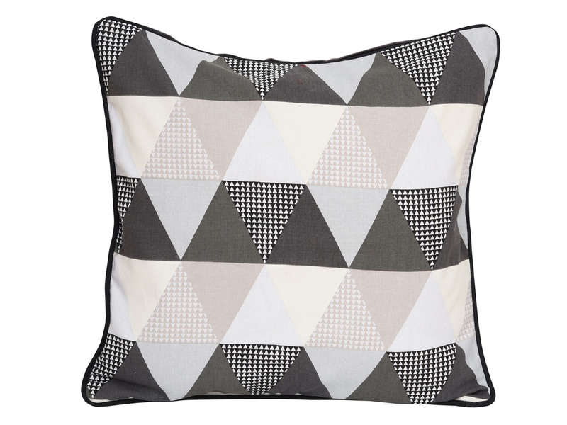 coussin 45x45 cm triangle coloris gris vente de coussin. Black Bedroom Furniture Sets. Home Design Ideas