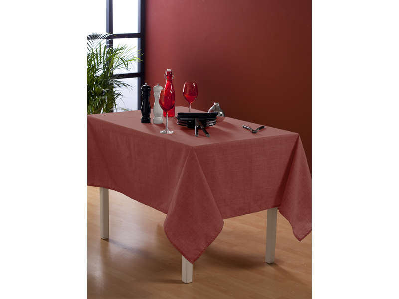 nappe rectangulaire 140x240 cm coloris rouge chez conforama. Black Bedroom Furniture Sets. Home Design Ideas